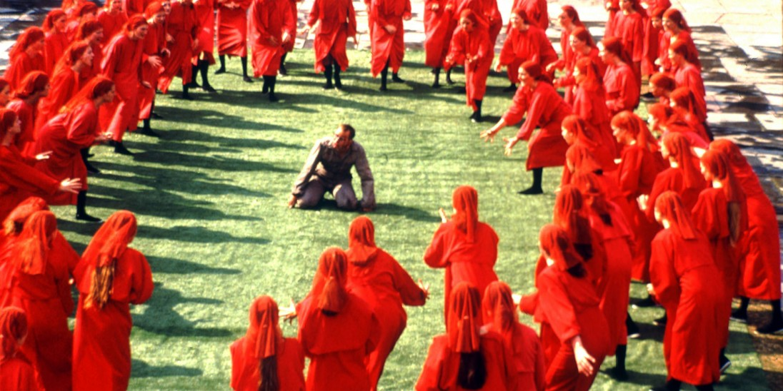 Comparing the Handmaids Tale and 1984